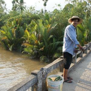 Spaziergang durch vietnamesisches Dorf