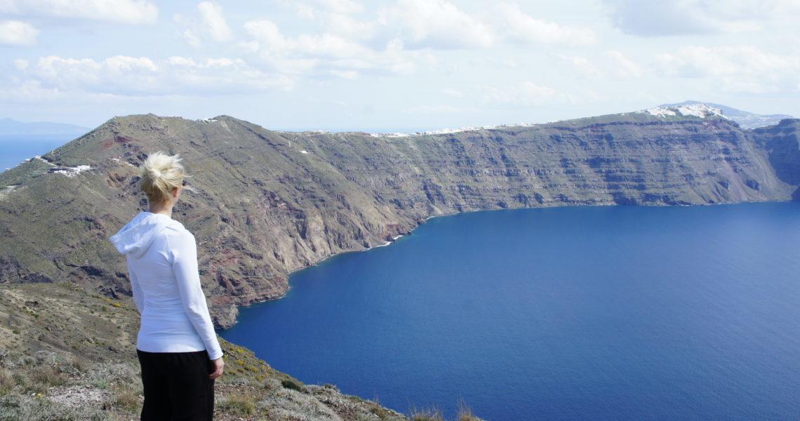 Im Höhenrausch – Wandern entlang Santorins Kraterrand
